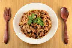 Ταϊλανδική σαλάτα χοιρινού κρέατος κουζίνας πικάντικη, μουγκρητό Nam Tok Στοκ Εικόνες