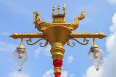 Ταϊλανδική τέχνη και ταϊλανδικός λαμπτήρας οδών ύφους Στοκ φωτογραφία με δικαίωμα ελεύθερης χρήσης