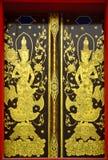 Ταϊλανδική χρωματισμένη ύφος πόρτα Στοκ φωτογραφία με δικαίωμα ελεύθερης χρήσης