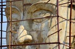 Ταϊλανδικοί λαοί που χτίζουν το μεγάλο Βούδα Στοκ εικόνα με δικαίωμα ελεύθερης χρήσης