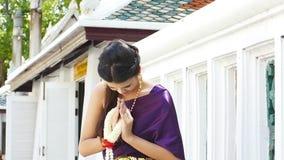 Ταϊλανδικός επίδεσμος γυναικών παραδοσιακός απόθεμα βίντεο