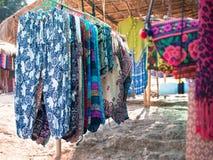Ταϊλανδικός πάγκος μπαμπού με ζωηρόχρωμος hand-woven στοκ εικόνες με δικαίωμα ελεύθερης χρήσης