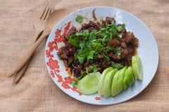 Ταϊλανδικός σπιτικός, τρόφιμα ανακατώνει το τηγανισμένο χοιρινό κρέας με τη ζάχαρη στοκ φωτογραφία με δικαίωμα ελεύθερης χρήσης