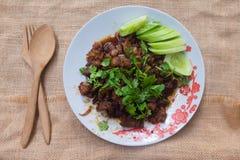 Ταϊλανδικός σπιτικός, τρόφιμα ανακατώνει το τηγανισμένο χοιρινό κρέας με τη ζάχαρη στοκ εικόνα με δικαίωμα ελεύθερης χρήσης
