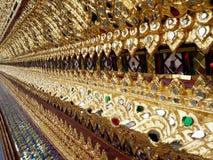 Ταϊλανδικός τοίχος τέχνης γύρω από Wat Arun Rajwararam (ναός) Στοκ Εικόνες