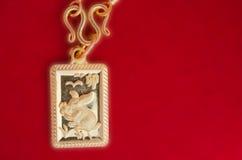 Ταϊλανδικός χρυσός βαθμός ο τοις εκατό κρεμαστών κοσμημάτων πλαισίων κουνελιών χρυσός 90k Στοκ Εικόνες