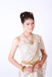 Ταϊλανδικό θηλυκό στο παραδοσιακό φόρεμα Στοκ Εικόνα