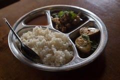 Ταϊλανδικό μαγειρευμένο πόδι χοιρινού κρέατος με το ρύζι (μουγκρητό Κα Kao) Στοκ φωτογραφία με δικαίωμα ελεύθερης χρήσης
