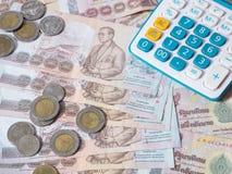Ταϊλανδικό νόμισμα και υπολογιστής μπατ Στοκ Εικόνες
