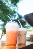 Ταϊλανδικό παγωμένο τσάι με το γάλα και τον παγωμένο καφέ Στοκ Φωτογραφία