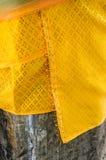 Ταϊλανδικό παραδοσιακό πολύχρωμο ύφασμα, κοινός που χρησιμοποιείται στο ιερό worshi Στοκ εικόνες με δικαίωμα ελεύθερης χρήσης