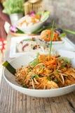 Ταϊλανδικό πιάτο μαξιλαριών κοτόπουλου Στοκ Φωτογραφίες