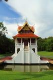 Ταϊλανδικό σπίτι ύφους στο ναό Στοκ εικόνα με δικαίωμα ελεύθερης χρήσης