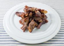 Ταϊλανδικό τσιγαρισμένο τρόφιμα βόειο κρέας σε ένα πιάτο Στοκ Εικόνες
