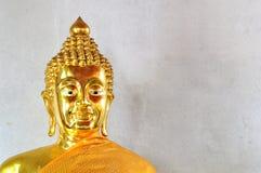 Ταϊλανδικό χρυσό άγαλμα του Βούδα Στοκ Εικόνες