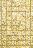 Ταϊλανδικό χρυσό χρώμα παράδοσης του τοίχου για το κείμενο και το υπόβαθρο Στοκ φωτογραφίες με δικαίωμα ελεύθερης χρήσης