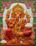 Ταϊλανδικό ύφος handcraft του ινδού Θεού ganesh στον τοίχο στοκ εικόνες με δικαίωμα ελεύθερης χρήσης