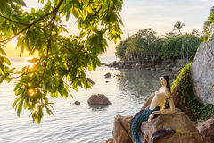 Ταϊλανδός λίγη γοργόνα στο ηλιοβασίλεμα Στοκ εικόνες με δικαίωμα ελεύθερης χρήσης
