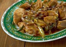 Ταϊλανδός ανακατώνει το κοτόπουλο τηγανητών Στοκ Εικόνα
