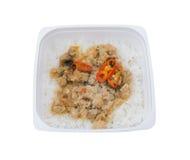 Ταϊλανδός παίρνει μαζί τα τρόφιμα, ανακατώνει το βασιλικό με το ρύζι Στοκ φωτογραφίες με δικαίωμα ελεύθερης χρήσης