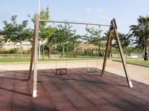 Ταλάντευση για τα παιδιά Στοκ φωτογραφίες με δικαίωμα ελεύθερης χρήσης
