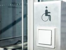 Τα άτομα με ειδικές ανάγκες υπογράφουν Στοκ φωτογραφία με δικαίωμα ελεύθερης χρήσης