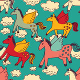 Τα άλογα και τα σύννεφα χρωματίζουν το άνευ ραφής σχέδιο Στοκ φωτογραφία με δικαίωμα ελεύθερης χρήσης