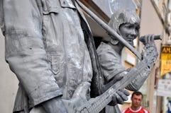 Τα αγάλματα διαβίωσης Beeldje ο κόσμος υπερασπίζονται των αγαλμάτων διαβίωσης Στοκ φωτογραφία με δικαίωμα ελεύθερης χρήσης