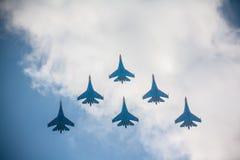 τα αεροπλάνα στον αέρα παρουσιάζουν Στοκ Φωτογραφίες