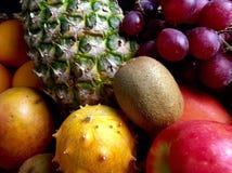 Τα ανάμεικτα φρούτα στο α στοκ εικόνες με δικαίωμα ελεύθερης χρήσης