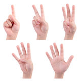 Τα απομονωμένα χέρια παιδιών παρουσιάζουν τον αριθμό Στοκ φωτογραφία με δικαίωμα ελεύθερης χρήσης