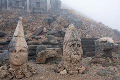 Τα αρχαία αγάλματα πετρών στο Nemrut τοποθετούν, Τουρκία Στοκ εικόνες με δικαίωμα ελεύθερης χρήσης