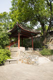 Τα ασιατικά κινέζικα, Πεκίνο, ναός Fahai, αρχαίο κτήριο, το περίπτερο Στοκ εικόνες με δικαίωμα ελεύθερης χρήσης
