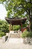 Τα ασιατικά κινέζικα, Πεκίνο, ναός Fahai, αρχαίο κτήριο, το περίπτερο Στοκ φωτογραφία με δικαίωμα ελεύθερης χρήσης