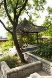 Τα ασιατικά κινέζικα, Πεκίνο, ναός Fahai, αρχαίο κτήριο, το περίπτερο Στοκ Εικόνες