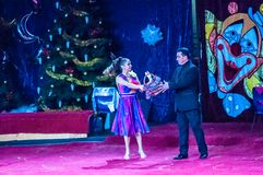 Τα αστέρια τσίρκων εκτελούν το φόρεμα UPS εστίασης Στοκ Φωτογραφία