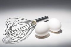 Τα αυγά και χτυπούν ελαφρά Στοκ φωτογραφίες με δικαίωμα ελεύθερης χρήσης