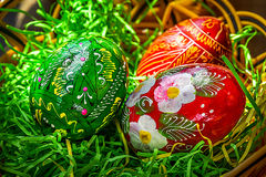τα αυγά Πάσχας χρωμάτισαν π&al Στοκ Εικόνες