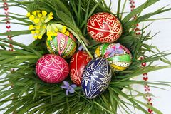 τα αυγά Πάσχας χρωμάτισαν π&al Στοκ φωτογραφία με δικαίωμα ελεύθερης χρήσης