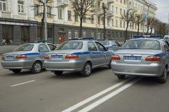 τα αυτοκίνητα αστυνομεύ&o Στοκ φωτογραφία με δικαίωμα ελεύθερης χρήσης