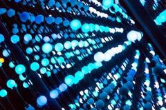Τα αφηρημένα σημεία του φωτός, αφηρημένο υπόβαθρο τεχνολογίας φαντασίας, ελαφριές χρωματισμένες σφαίρες σε ένα διάστημα άναψαν δι Στοκ Φωτογραφίες