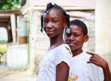 Τα αϊτινά παιδιά στον πρόσφυγα στρατοπεδεύουν Στοκ Φωτογραφίες