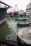 Τα αλιευτικά σκάφη είναι στην αποβάθρα στο λιμένα αλιείας στο Μακάο. Στοκ φωτογραφίες με δικαίωμα ελεύθερης χρήσης