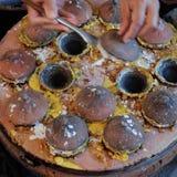 Τα βιετναμέζικα τρόφιμα οδών, banh μπορούν Στοκ εικόνα με δικαίωμα ελεύθερης χρήσης