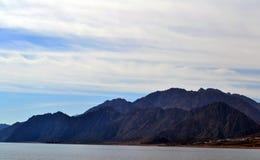 Τα βουνά - Αίγυπτος - Dahab - θάλασσα Στοκ φωτογραφία με δικαίωμα ελεύθερης χρήσης