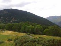 Τα βουνά είναι θεαματικά στοκ εικόνα με δικαίωμα ελεύθερης χρήσης