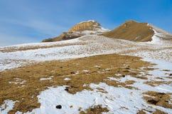 Τα βουνά Καύκασου στο χιόνι Στοκ εικόνα με δικαίωμα ελεύθερης χρήσης