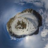 Τα βουνά του ανατολικού Sayan Στοκ φωτογραφία με δικαίωμα ελεύθερης χρήσης