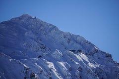 Τα βουνά Verbier φόρτωσαν με το χιόνι στοκ εικόνα με δικαίωμα ελεύθερης χρήσης