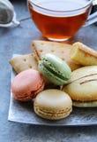 τα γαλλικά macarons που τίθεντα&i Στοκ φωτογραφία με δικαίωμα ελεύθερης χρήσης